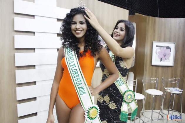 A estudante do curso de Comércio Exterior da UNP, 18 anos, Madu Morais, foi eleita Miss Nísia Floresta 2016.