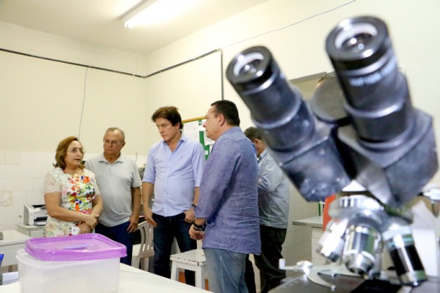 Governador anuncia providências para melhorar atendimento no Hospital Regional de Currais Novos. (Foto: Demis Roussos).