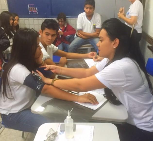 Assembleia Cidadã leva lazer e saúde para alunos de escola estadual de Natal. (Foto: Eduardo Maia).
