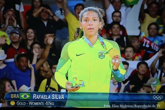 Em 2016 nas olimpíadas do Rio de Janeiro, Rafaela Silva atinge o auge no Judô, modalidade que escolheu para representar o Brasil e milhares de pessoas que vivem as margens da sociedade por falta de oportunidades.