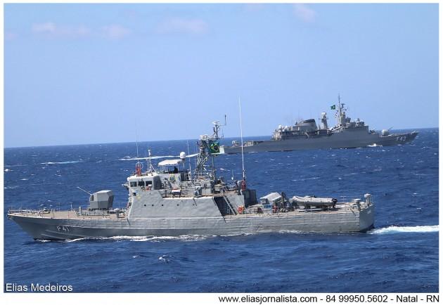 Navios Subordinados ao Comando de Grupamento de Patrulha Naval do Nordeste realizam exercícios com a Fragata Liberal.