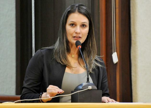 Assembleia presta homenagem aos 10 anos da Lei Maria da Penha. (Foto: João Gilberto).