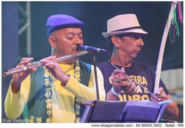 . O músico Carlos Zens foi o responsável pela execução do Hino Nacional em flauta.