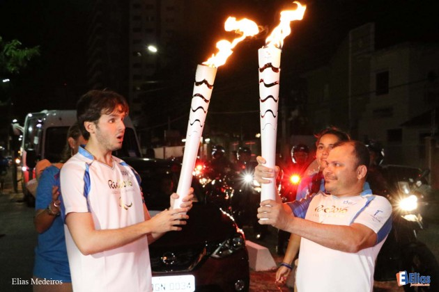 Gledson Soares encerra cerimônia da Tocha Paralímpica em Natal.