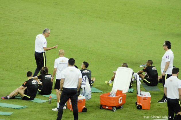 Seleção Brasileira realiza treino na Arena das Dunas em Natal.