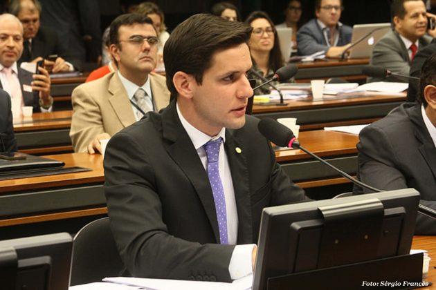 Rafael Motta dá parecer favorável a projeto que inclui albergues como prestadores de serviços turístico.