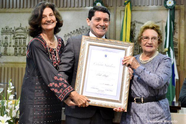 Jornalista Paulo Araújo recebe título de cidadão natalense.