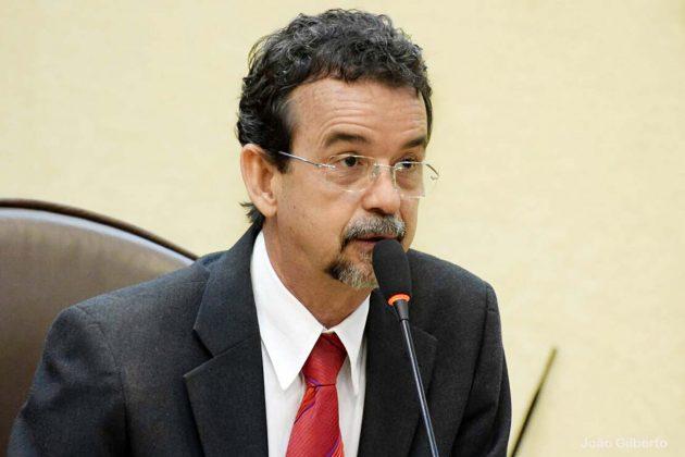 Debate proposto pelo deputado Fernando Mineiro vai reunir representantes do Poder Público e entidades ligadas ao ensino.