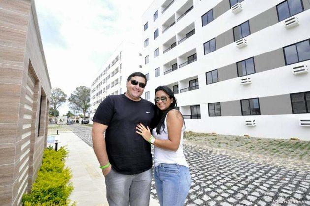 Depois de 6 anos de casados, Mauro e Nathália Santos comentam a felicidade na conquista do primeiro apartamento.