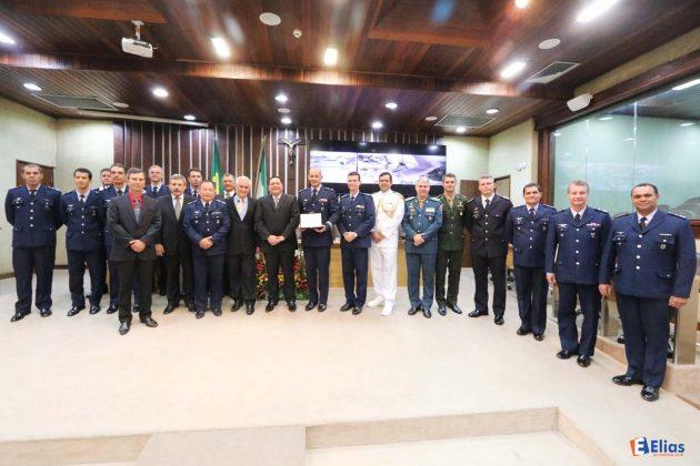 Em sessão solene no plenário, a Assembleia Legislativa rendeu homenagens ao Dia do Aviador e a Força Aérea Brasileira.