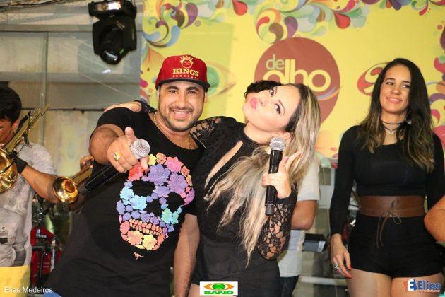 """A Banda Saia Rodada foi a atração da estreia do """"De Olho na Folia""""."""