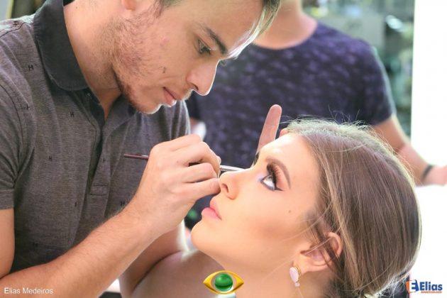 Dicas de maquiagem com Nil Barbosa e a Miss Brasil Beleza Internacional, Manoela Alves.