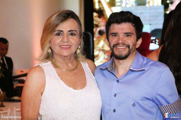 Soraia Simone e seu filho Diego Major.