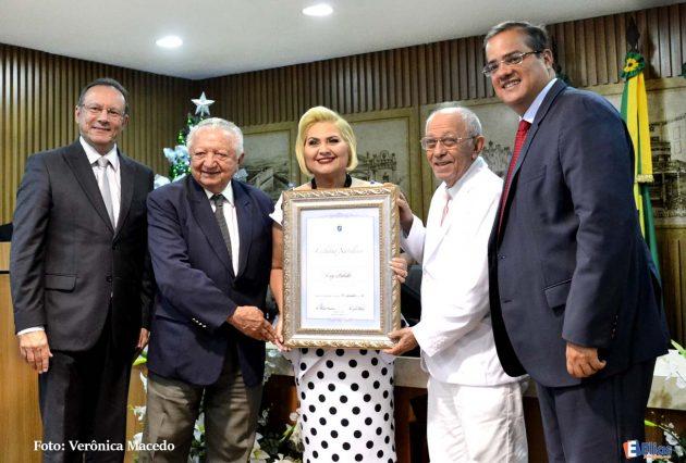 Colunista social Liege Barbalho recebe o título de cidadã natalense.