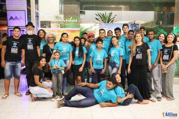 """Projeto """"Ilha de Música"""" promove inclusão de jovens na Comunidade da África na Redinha."""