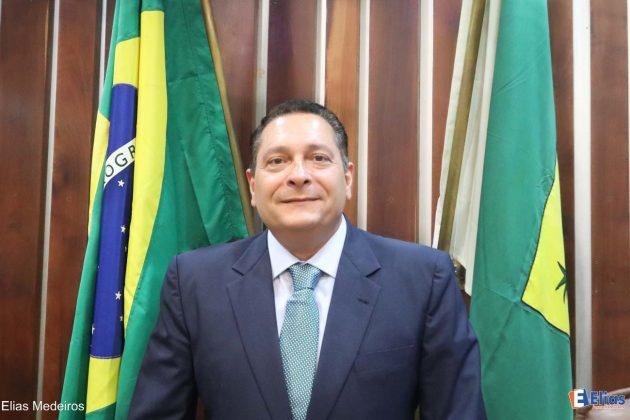 A propositura da homenagem ao Dia do Médico foi do deputado estadual Ezequiel Ferreira.