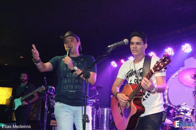 Felipe e Gabriel comandaram o show.