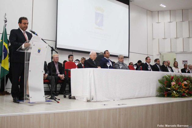 Carlos Eduardo e Álvaro Dias tomam posse como prefeito e vice de Natal.