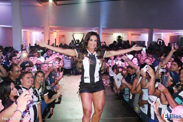 Sheila Carvalho ex-dançarina da banda É O Tchan