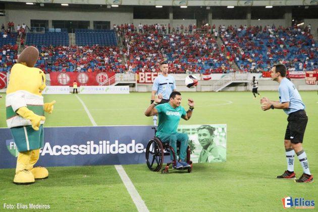 O medalhista olímpico potiguar Clodoaldo Silva é o garoto propaganda da nova campanha da Federação Norte Rio Grandense de Futebol (FNF) que pede a inclusão em acessibilidade nos estádios potiguares.