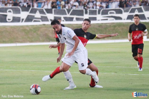 Com dois gols de Nando, ABC vence o Globo FC por 2 a 0 no Frasqueirão.