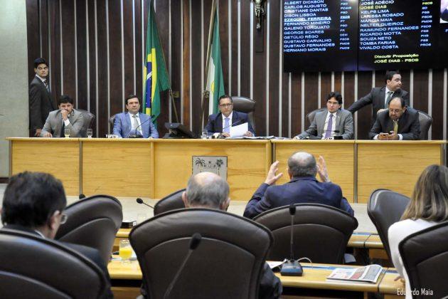 Deputados aprovam projetos e doação  de 50 viaturas para a Segurança Pública
