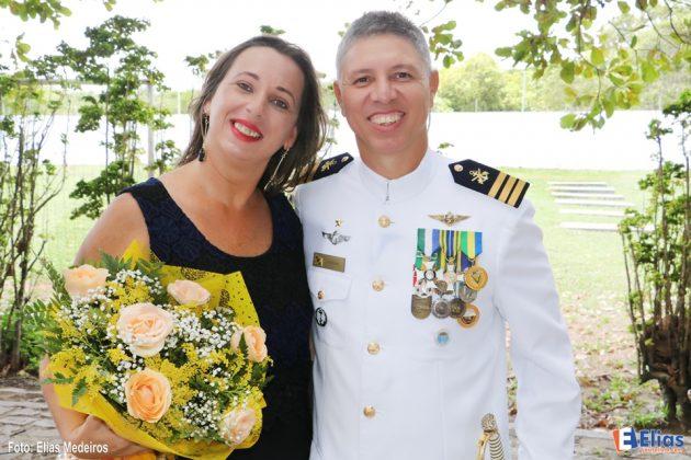 Comandante Fabiano e esposa.
