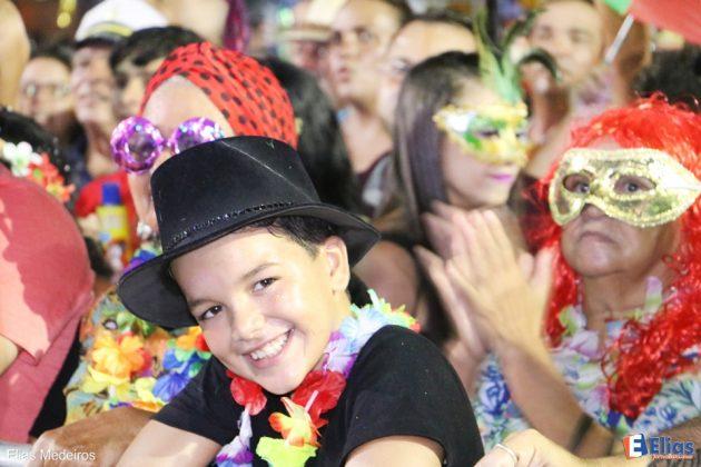 Programe o seu Carnaval.