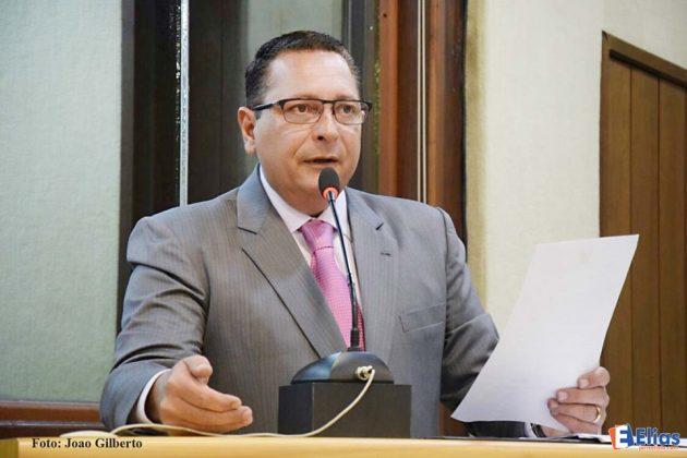 Ezequiel Ferreira anuncia redução no limite prudencial e convocação de concursados.