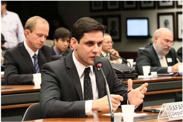 """Rafael Motta encaminha voto """"sim"""" a ampliação de recursos do Cartão Reforma para zona rural ."""