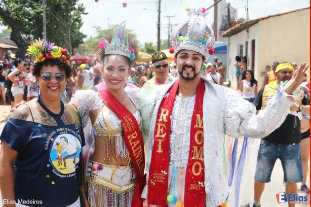 """O Rei Momo e a Rainha do Carnaval 2017 prestigiaram o bloco """"Baicu na Vara"""""""