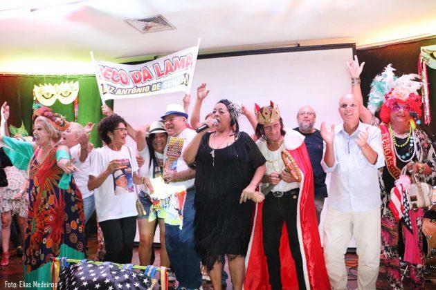 """A cantora Dodora Cardoso foi a grande vencedora do concurso de marchinhas carnavalesca com a música """"Beco da Lama""""."""