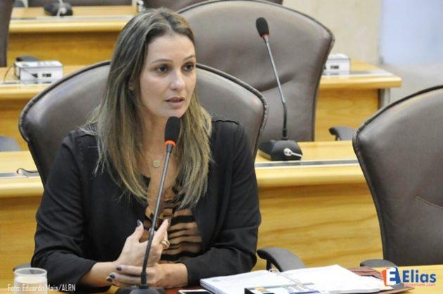 Cristiane ressalta importância do Portal da Mulher lançado pelo Governo.