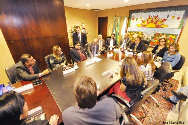 Ezequiel Ferreira reúne delegados para discutir situação da Polícia Civil.