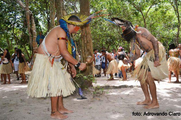 """A exposição fotográfica coletiva """"Dança do Toré"""" é uma homenagem ao Dia do Índio, comemorado na data de 19 de abril."""