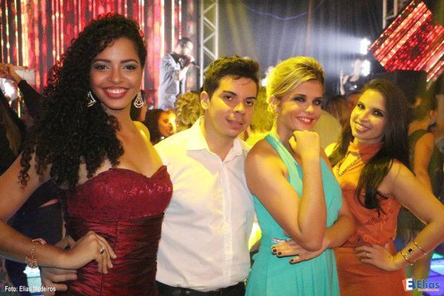 O baile de formatura ao som da orquestra Amistad e com a presença de amigos importantes.