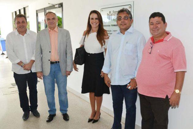 Arcebispo Dom Jaime e primeira-dama do Estado Julianne Faria estarão em São Gonçalo nesta segunda (10).