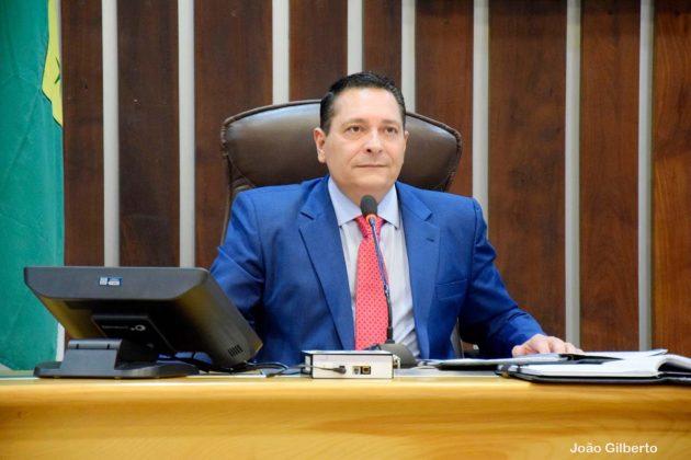 Ezequiel requer ações do governo para beneficiar município de Cruzeta.