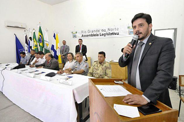 Baixo efetivo de polícia é principal problema da segurança no Oeste, aponta audiência pública. (Foto: João Gilberto ).