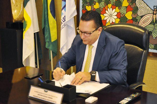 Ezequiel Ferreira convoca todos os aprovados em concurso da Assembleia RN