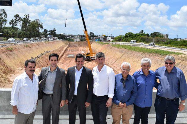 Ao lado do ministro, Rafael Motta visita obras na BR-101 e na Reta Tabajara. (Foto: Ciro Marques).