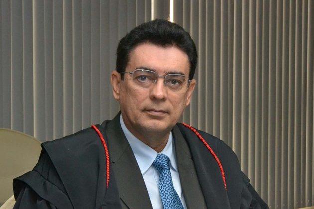 São Gonçalo: ex-prefeito e conselheiro do TCE Poti Júnior e a Gás Motores são alvos de ação judicial. (Foto: Rodolfo Maia)