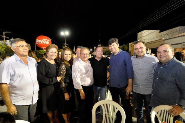 Ezequiel celebra Sant'Ana em Currais Novos e participa de encontros com lideranças. (Foto: João Gilberto).