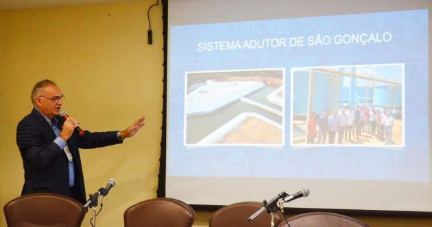 Prefeito de São Gonçalo palestrou em evento do TCE como exemplo de gestor comprometido com obras públicas.