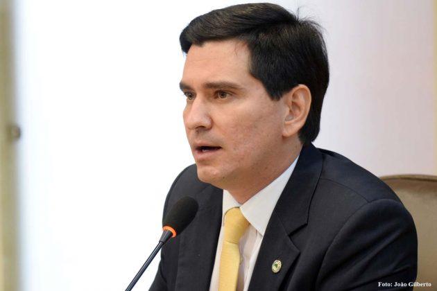 George Soares diz que apreensão de motos por atraso no pagamento do IPVA é ilegal.