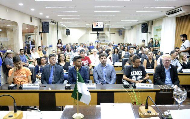 Câmara homenageia estudantes com Medalha Câmara Cascudo