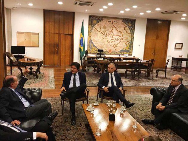 Prefeito Paulinho se reúne com ministro das Relações Exteriores Aloysio Nunes. (Foto: Rodolfo Maia).