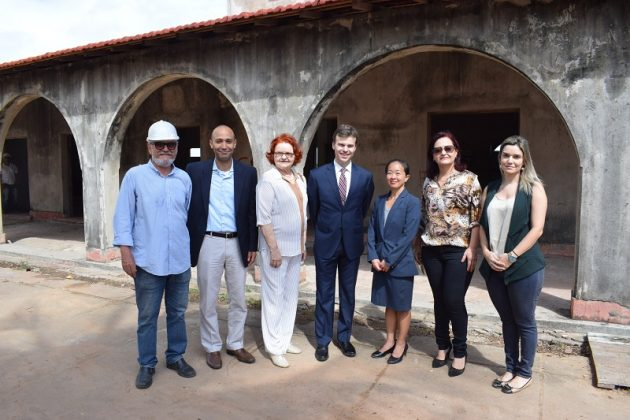 Cônsul norte-americano visita obras do Museu da Rampa. (Foto: Moisés de Lima).