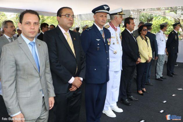 O presidente do legislativo natalense, vereador Ney Lopes Junior (PSD) e o vereador Kleber Fernandes (PDT), acompanharam a cerimônia que contou com a participação de militares, civis, estudantes e bandas marciais.
