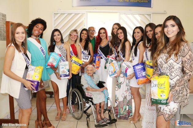 Candidatos à Miss e Mister RN Internacional fazem doação de fraldas geriátricas ao Juvino Barreto.